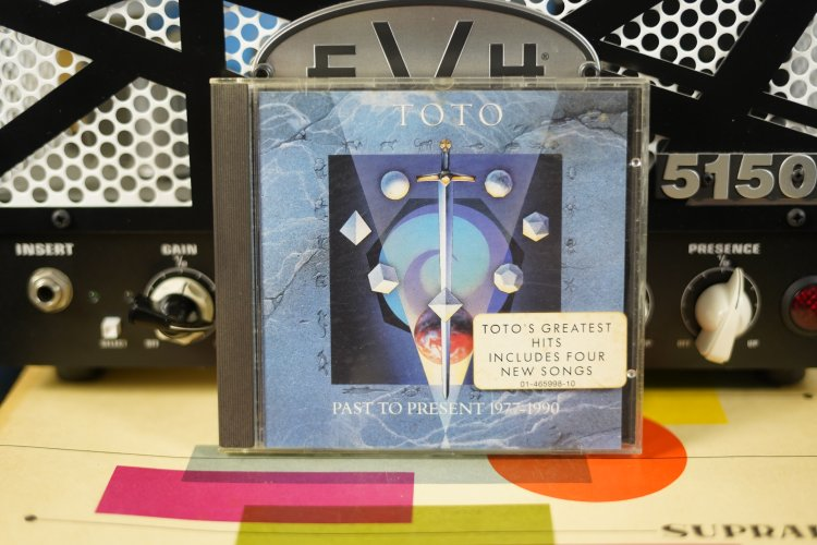 Toto - Past to Present 1977 - 1990     4659982  Made in   Austria 1988