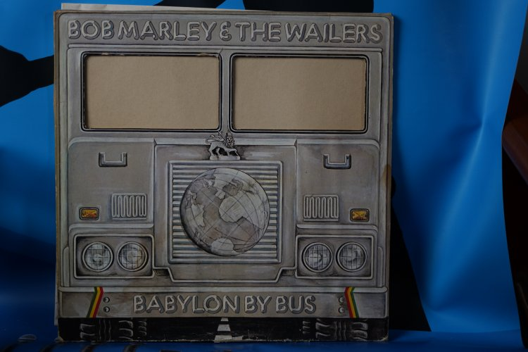 Bob Marley & the Wailers Live - Babylon by Bus 300150 Ijsland