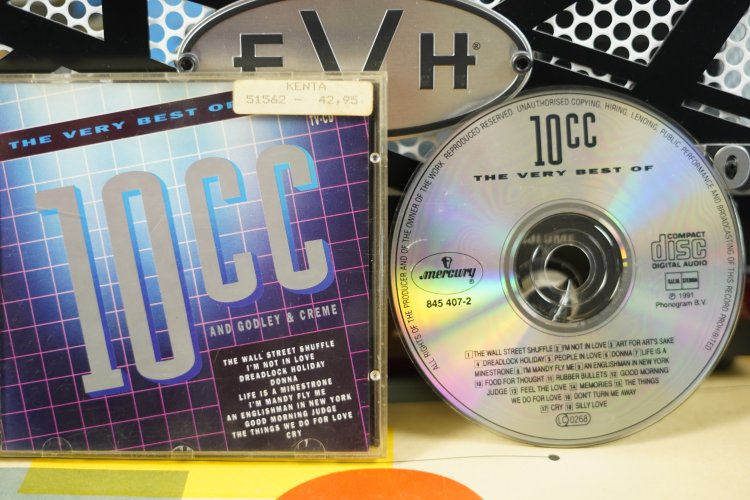 10 CC - The Very Best Of   845 407-2     Made in the Benelux  1991