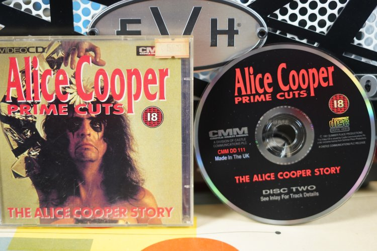 Alice Cooper -  The Alice Cooper Story   CMMDD111     Made  in the UK 1991