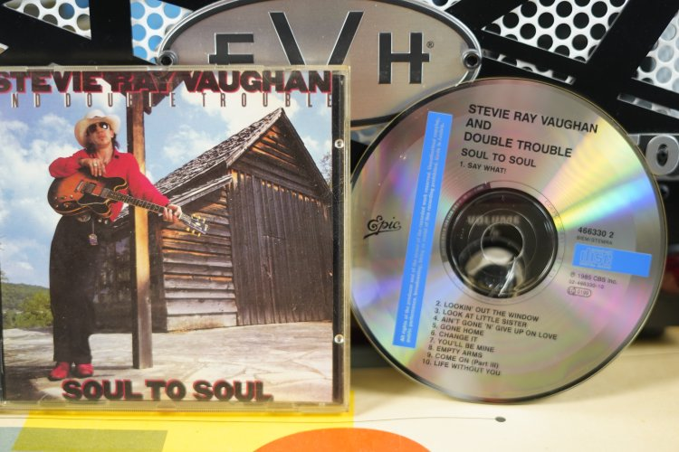 Stevie Ray Vaughan - Soul to Soul   4663302. Made in .....1985
