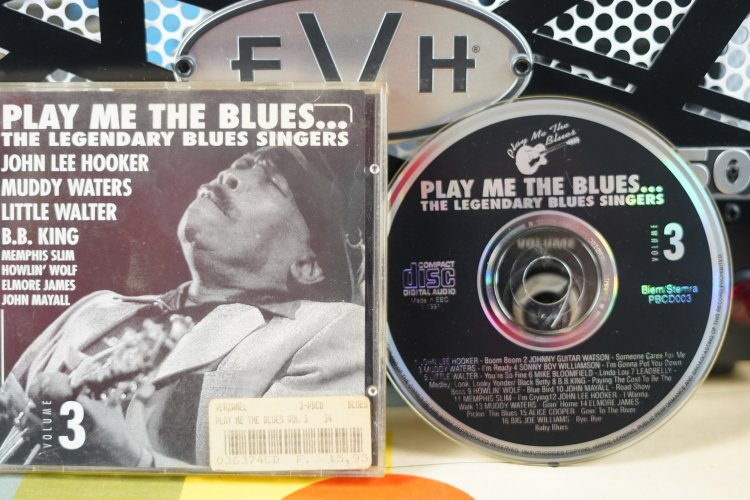 Play Me The Blues - the Legendary Blues singers PBCD003 Made in EEC 1991