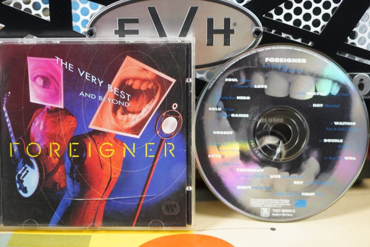 Foreigner - The very Best and Beyond 7567-89999-2 France 1992