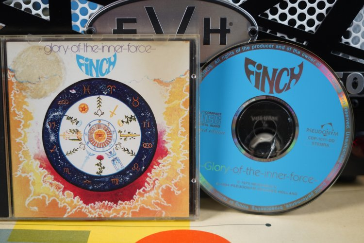 Finch     Glory of the Inner Force   CDP1011DD   Made in Holland 1975