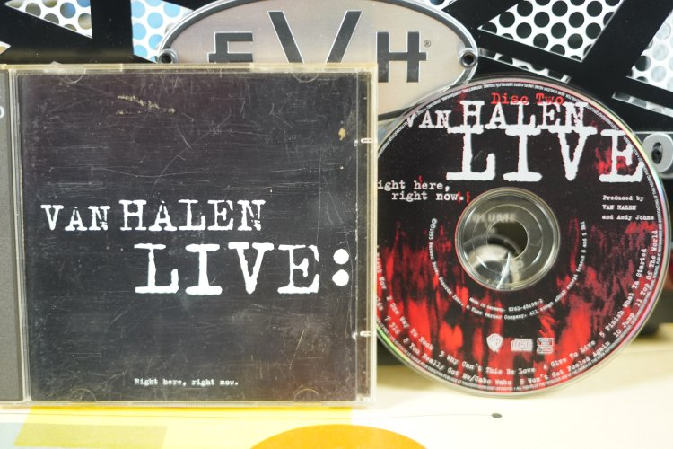 Van Halen - Live Right Here Right Now  9362-45498-2   Made in Germany 1993