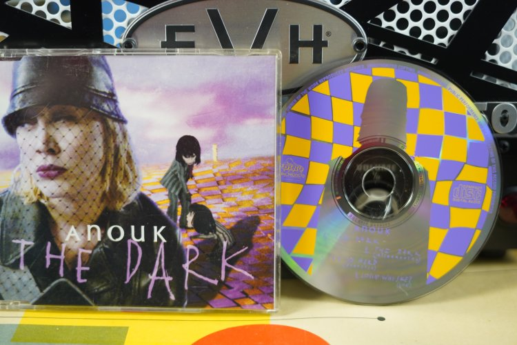 Anouk The Dark DNCMS 20570  Made in Holland 1998