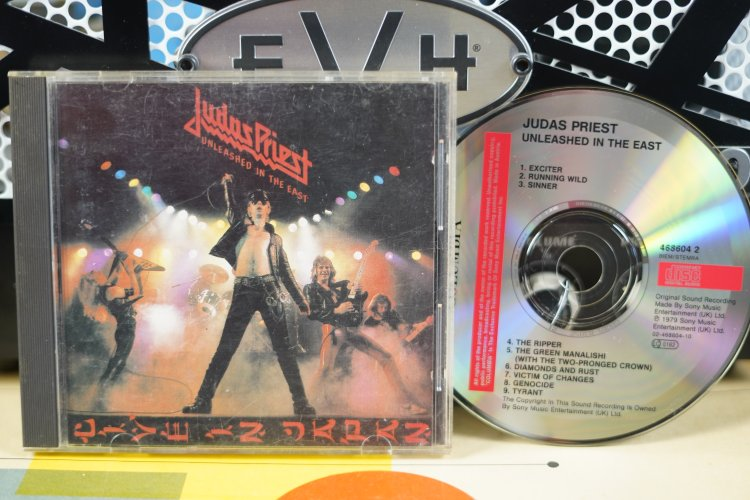 Judas Priest -  Unleased  in the  East   4686042  Made in the UK 1979
