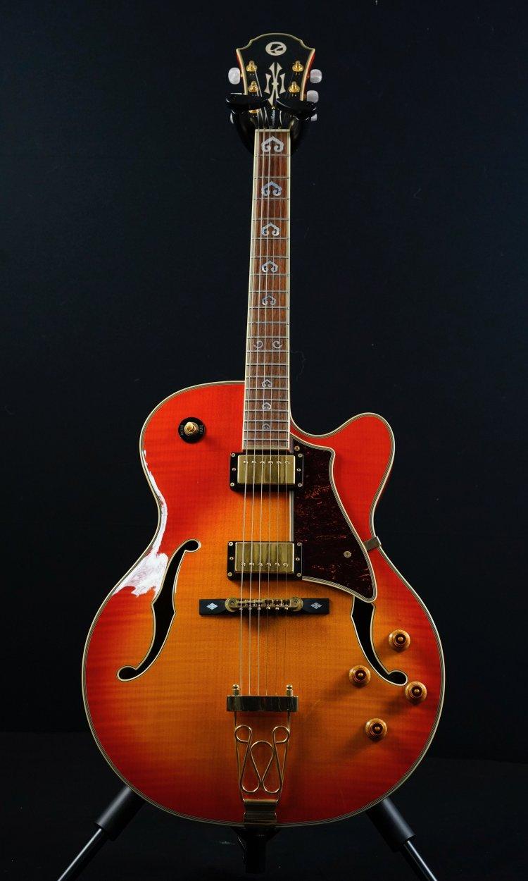 London City Constellation + case Archtop full body jazz gitaar met AAA flame panel top Vintage Sunburst