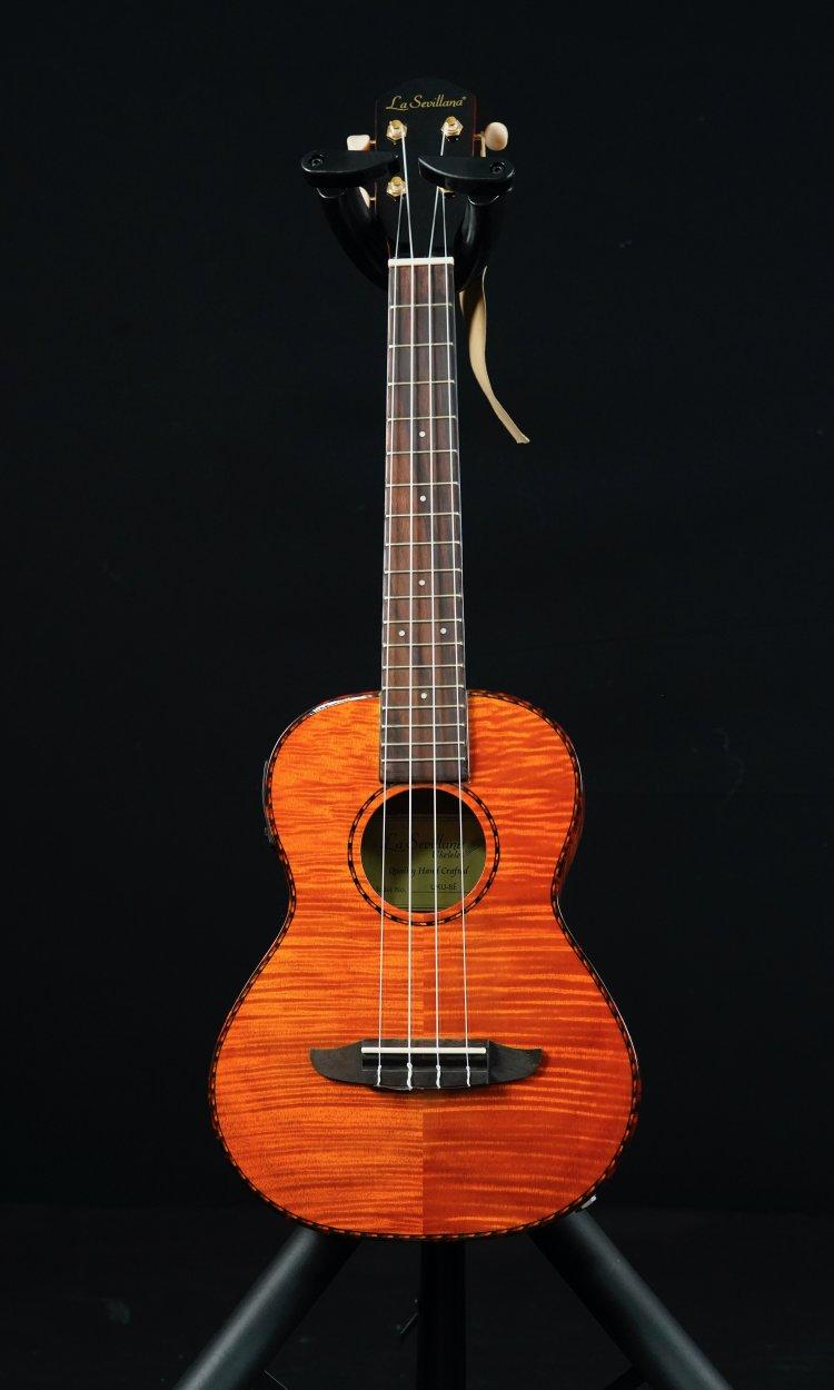 La Sevillana S/A ukulele Tenor Striped Maple+case
