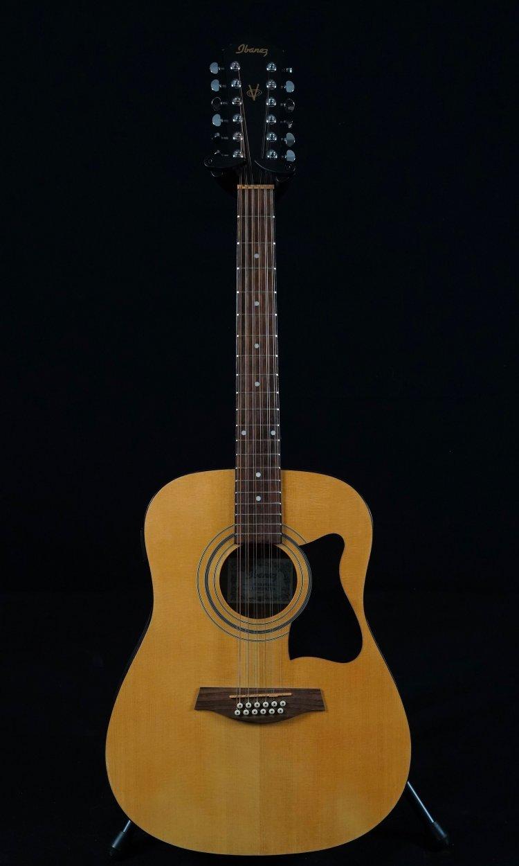 Akoestische gitaar used